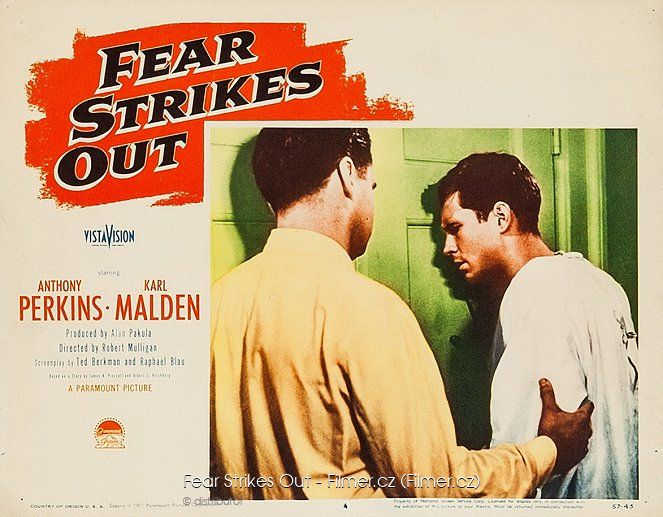 Fear Strikes Out download