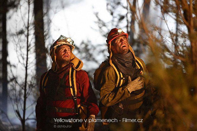 Yellowstone v plamenech download