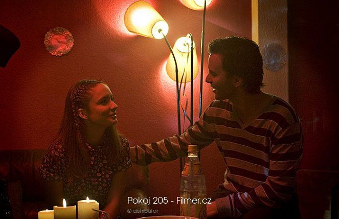 Pokoj 205 download