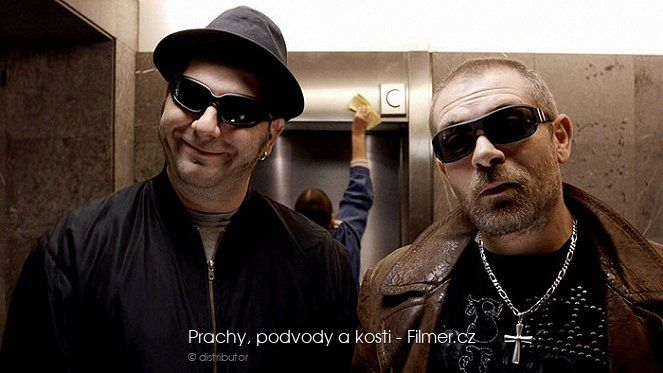 Prachy podvody a kosti download