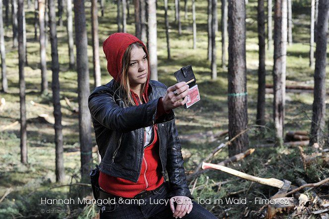 Hannah Mangold & Lucy Palm Tod im Wald download