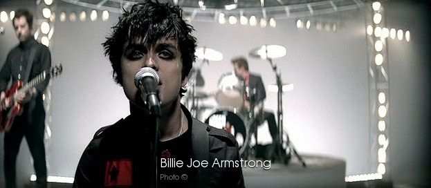 Green Day Wake Me Up When September Ends download
