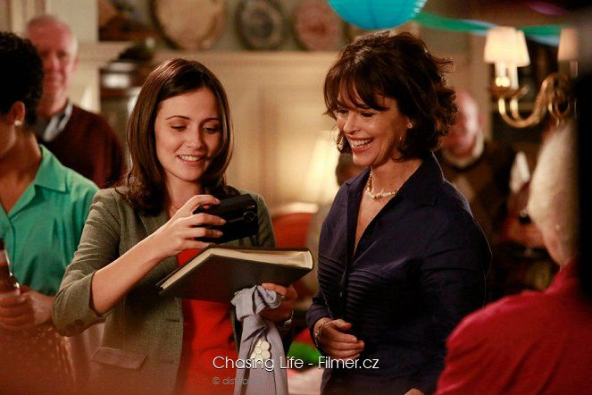 Chasing Life download