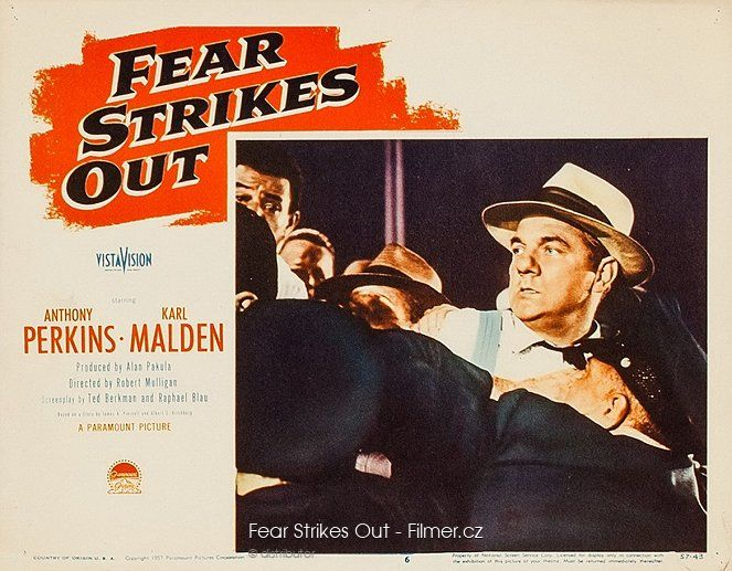 Fear Strikes Out online
