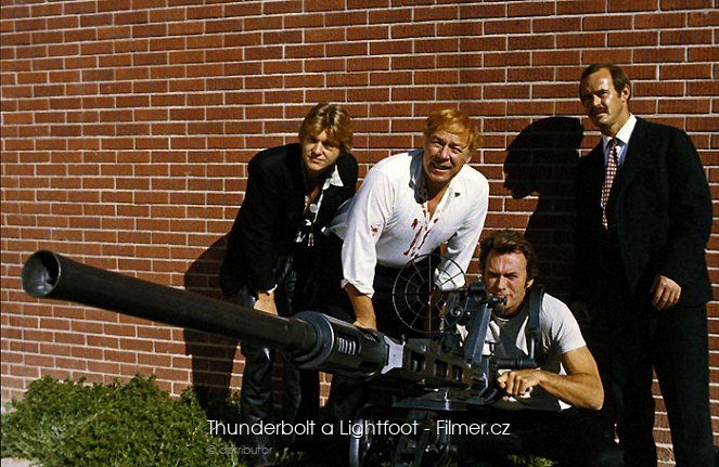 Thunderbolt a Lightfoot online