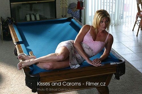 Kisses and Caroms online