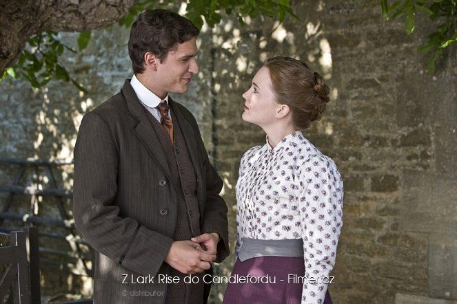 Z Lark Rise do Candlefordu online