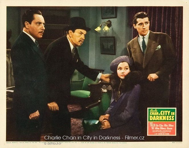 Charlie Chan in City in Darkness online