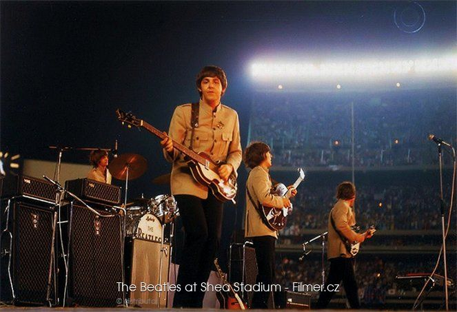 The Beatles at Shea Stadium ke stažení