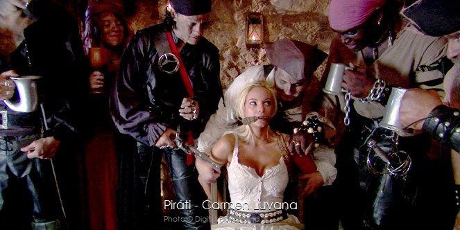 Pirates - это самый дорогой и масштабный фильм в истории порно.