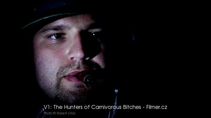 V1 The Hunters of Carnivorous Bitches