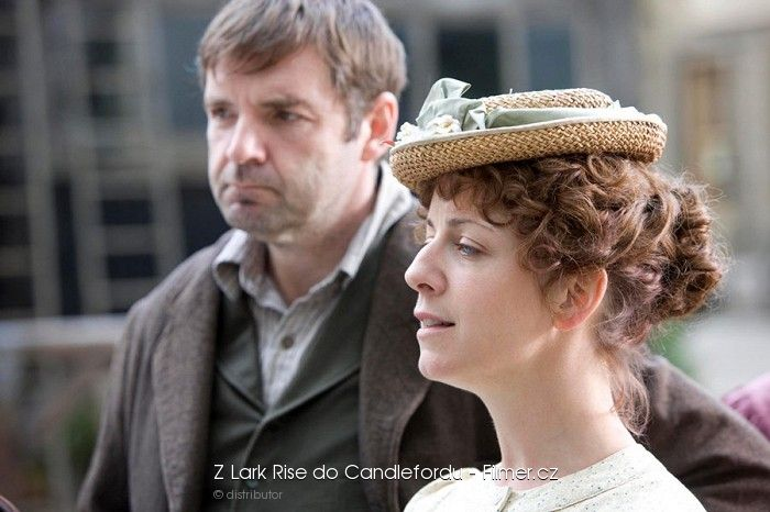 Z Lark Rise do Candlefordu